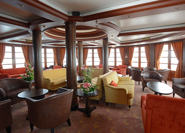 Lounge, Caledonian Sky, Russian Cruise Ship