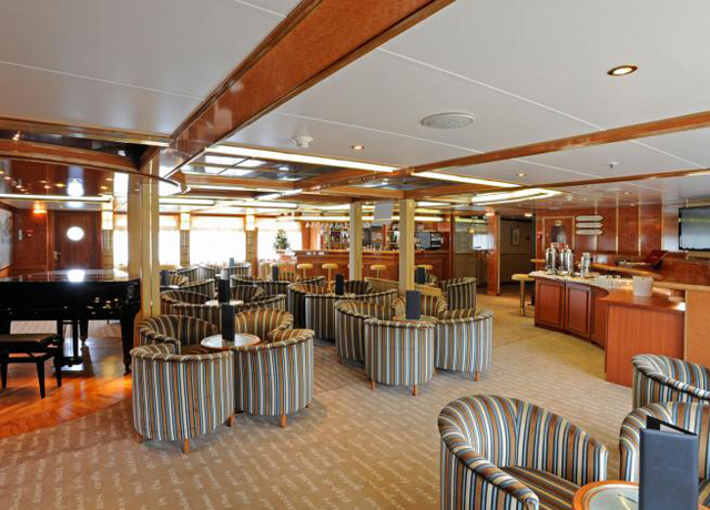 Club Lounge, Island Sky, Norway Cruise