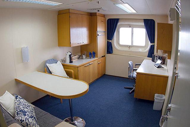 Cabin, Akademik Sergey Vavilov, Svalbard ships