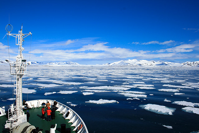 Sunny day on the deck, Akademik Sergey Vavilov, Antarctic Waters