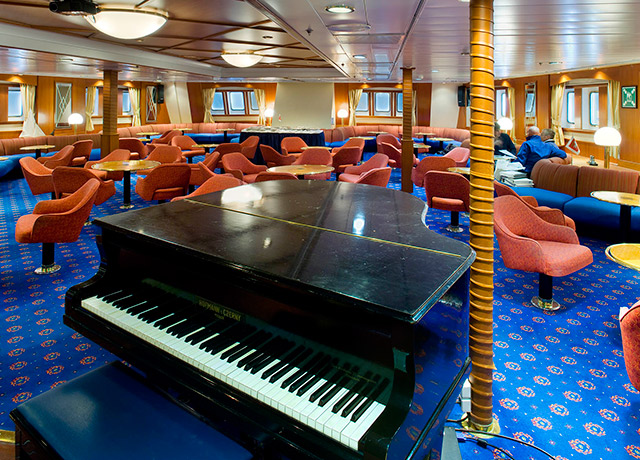 Lounge, Sea Adventurer, Antarctica Cruise Ships