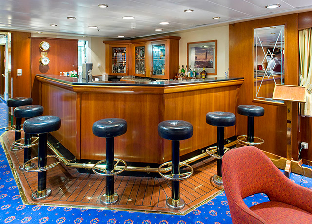 Bar, Sea Adventurer, Antarctica Trips
