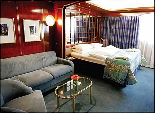 Window Suite, Sea Explorer, Greenland cruises