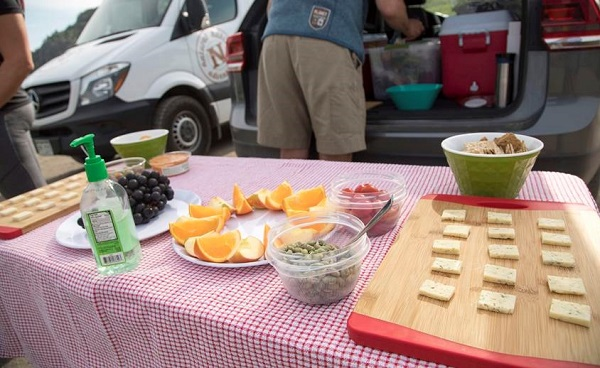 Zero waste adventure tour picnic