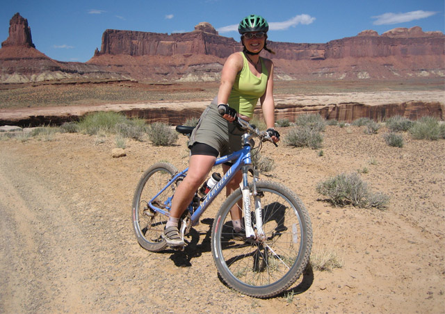 Mountain biking the White Rim Trail, Canyonlands NP, Utah
