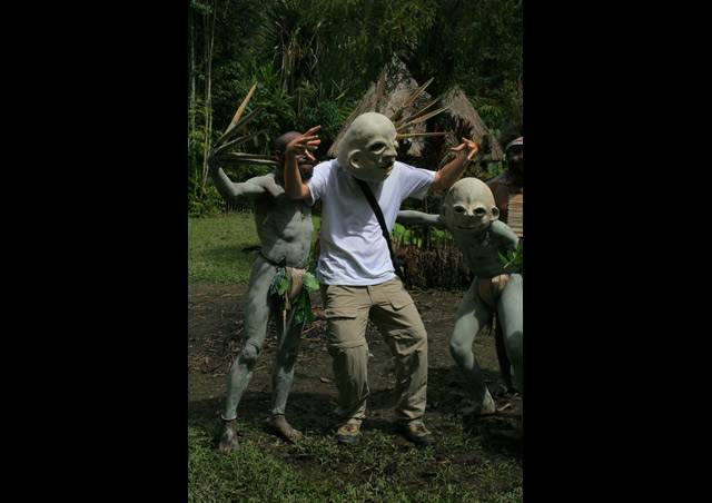 Learning a bit of the mud men ritual in Papua New Guinea, taught by those who know it best!