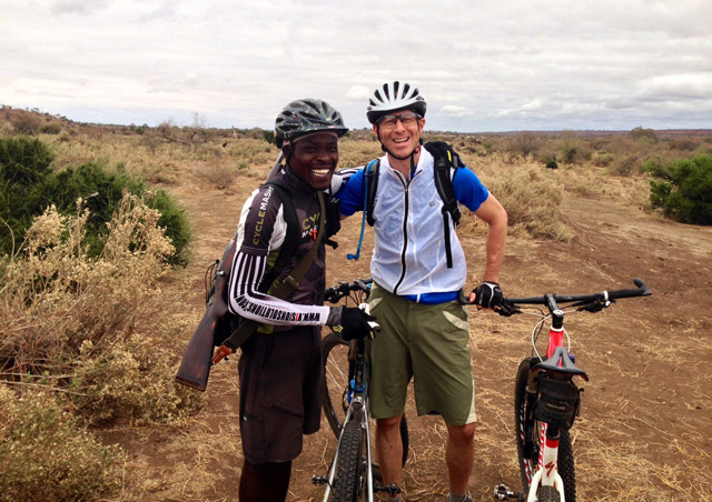 Mountain biking in Mashatu (Botswana) with our guide Mosa