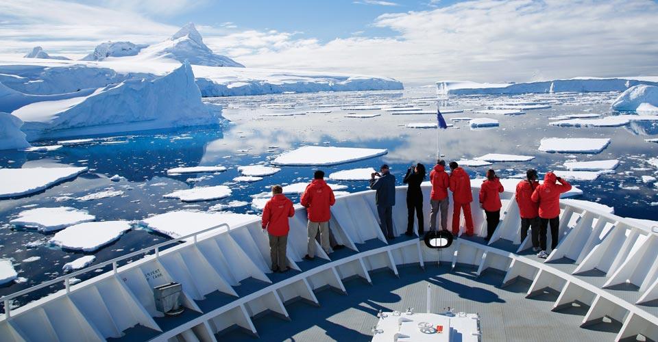 Iceberg cruise, Antarctica