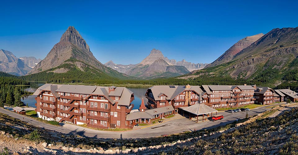 Many Glacier Lodge, Glacier National Park, Montana, USA