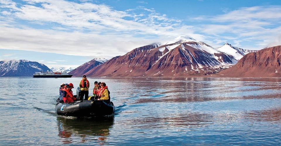Zodiac cruise, Svalbard