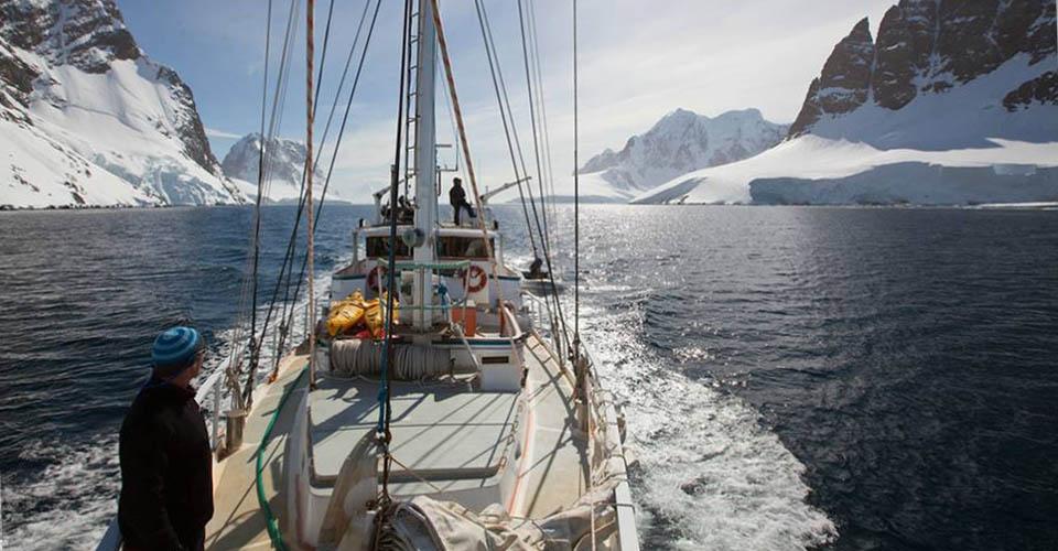 S/V Australis, Lemaire Channel, Antarctica