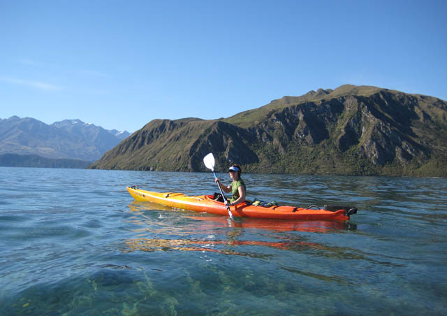 A New Year's Eve kayaking trip on Lake Wanaka where I lived and loved for 1 ½ years. 2007/2008