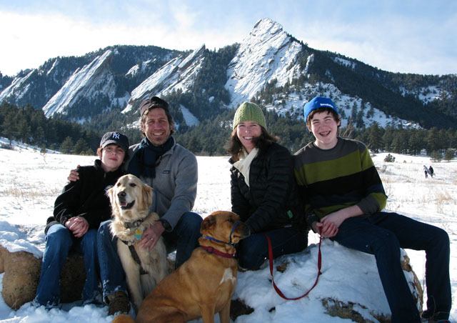 In Boulder you don't have to travel far to enjoy some of nature's most beautiful spots! Ben and the family, Finlay, Laura, Cole, Jo Jo and Nicky (the cat does not like the cold).